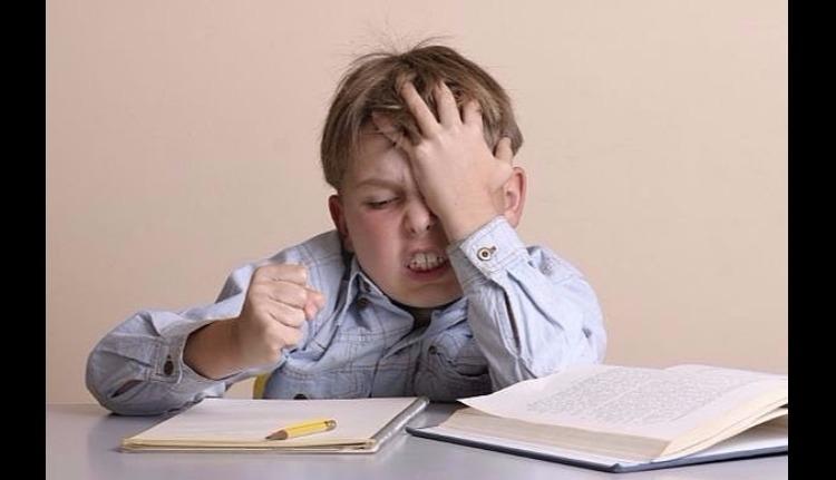 """Meglepetés: """"osztályfőnöki"""" tárgyból is lesz tankönyv"""