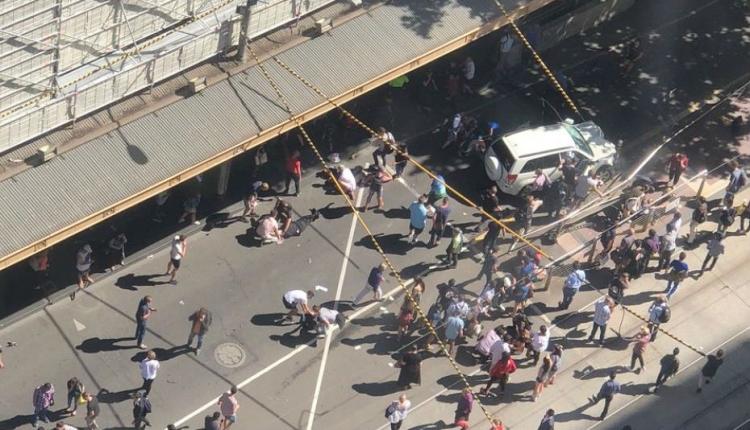 Gyalogosok közé hajtott egy autó Melbourne-ben
