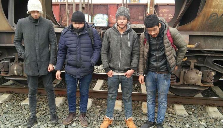 Vonattal szöktek volna át a magyar-román határon líbiaiak