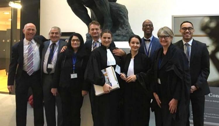 A román-amerikai meleg házaspár javára dönthet az uniós bíróság