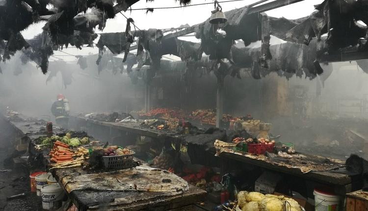 Leégett egy aradi piac