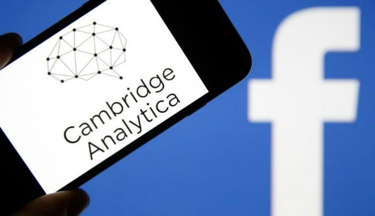 A PSD kampányszekerét is megtolhatta a Facebook-botrányban érintett cég