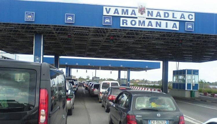 Magyarország fele indul? Készüljön fel a zsúfolt határátkelőhelyekre!