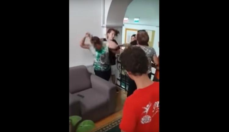 Botrányos: diákot ütlegelt egy felvigyázó a halláskárosultak kolozsvári bentlakásában (VIDEÓval)