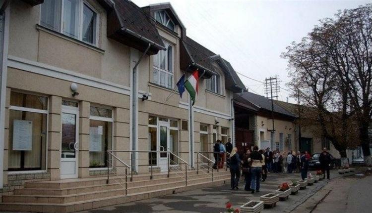 Tombol az európai szellem Kijevben: kiutasították a beregszászi magyar konzult