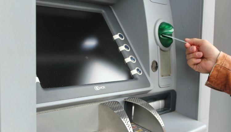 Ha ön ennek a banknak az ügyfele, még a péntek esti buli előtt vegyen ki elegendő pénzt az automatából