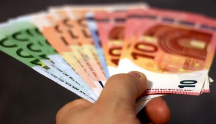 Az megvan, hogy 1000 eurós albérletet kell fizessünk a vidéki minisztereknek?