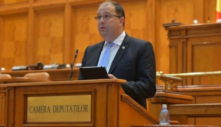 Persze a marosvásárhelyi orvosi egyetem ügyében is a magyarok ellen uszít Marius Pașcan