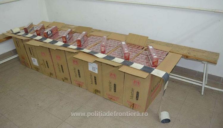 Berezeltek az ipari mennyiségű cigarettát cipelő csempészek, miután a határrendészek lövöldözni kezdtek