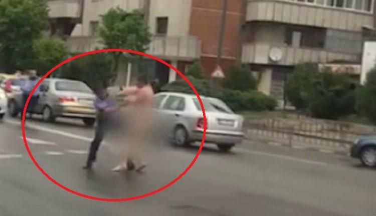 Két városban is a nyílt utcán meztelenül rohangászó férfiakat kellett hajkurászni (VIDEÓval)