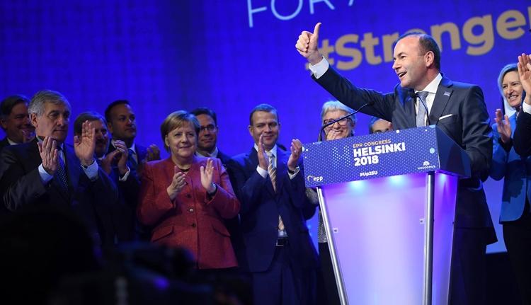 Az Európai Néppárt adja a legnagyobb frakciót az EP-ben