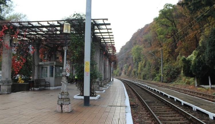 Több mint száz év után végre komolyabban rendbe teszi a román állam a monarchiabeli vasútállomásokat