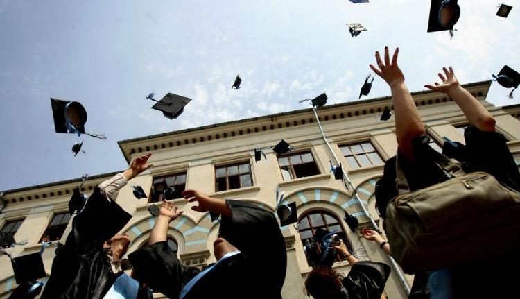 Valóságos Krőzusok lesznek az egyetemet végzettek, ha ez a bérezési terv megvalósul