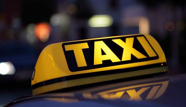 Rettenetesen bunkó volt a taxis, jó nagy bírságot kell fizetnie