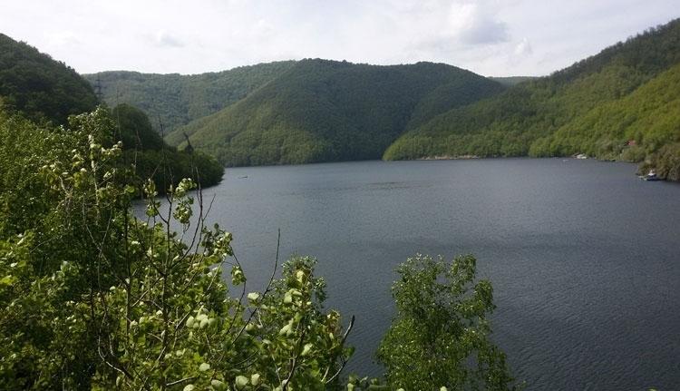 A prefektúra végre észrevette, hogy durván szennyezik a Kolozsvárt ivóvízzel ellátó víztározót