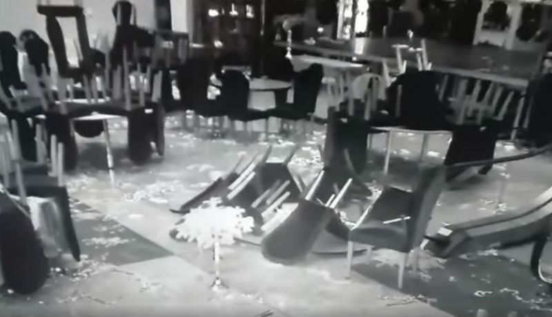 Mi a legalkalmasabb helyszín egy durva szilveszteri partihoz Bukarestben? Hát például a Nemzeti Könyvtár