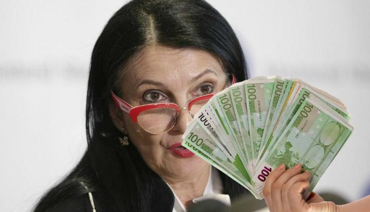 """Megfertőzte a korrupció vírusa a volt egészségügyi minisztert, ezért """"karanténba"""" helyezték (FRISSÍTVE)"""