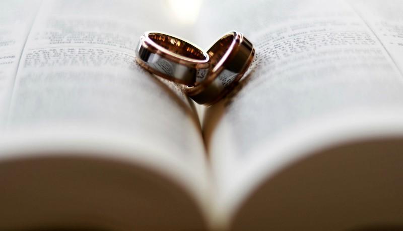 Vőlegény helyett az Interpol várta az álházasságra készülő romániai nőket Ciprusban