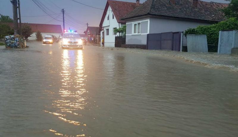 Kétségbeejtő az árvízhelyzet Erdélyben (VIDEÓval)