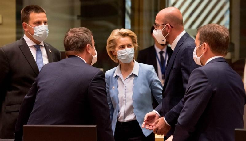 80 milliárd euróval, roppant elégedetten tér haza Brüsszelből Klaus Iohannis