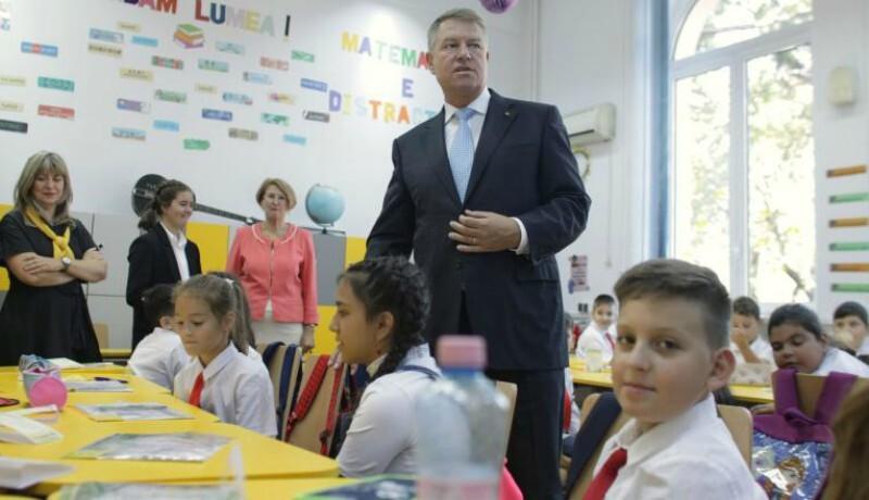 Iohannis már az iskolakezdés után minivakációra küldené a diákokat