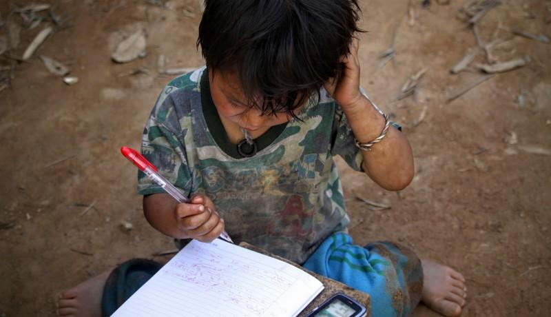 Diákok ezreinek nincs semmilyen eszköze, amellyel online oktatásban vehetne részt