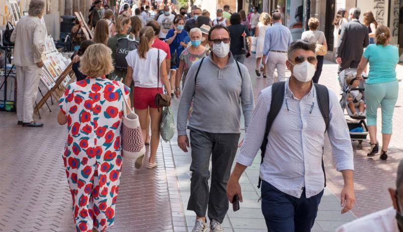 Még egy erdélyi megyében úgy döntöttek, hogy szájmaszk nélkül már az utcára sem lehet kilépni
