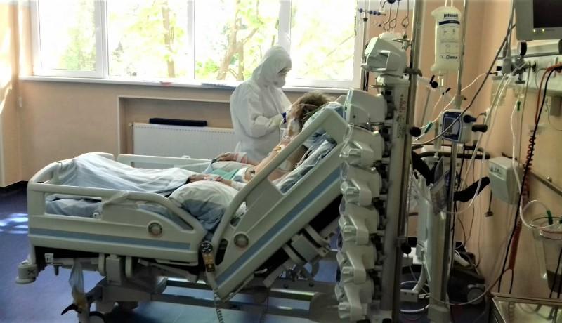 Temesváron több koronavírusos beteg is meghalt, mert már nem jutott nekik hely az intenzív osztályon (FRISSÍTVE)