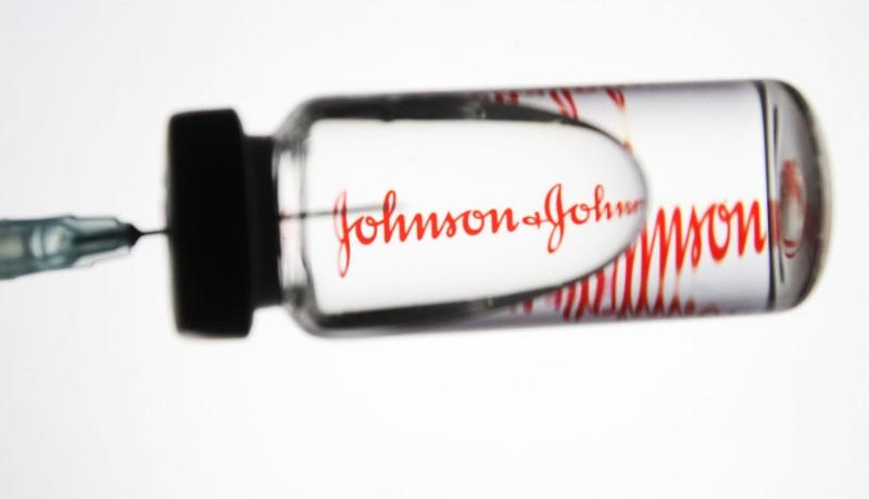 A Johnson & Johnson oltásával kapcsolatban is kételyek merültek fel, pont amikor kapunk belőle egy rakást