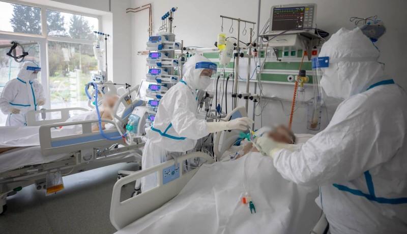 Bekeményít a negyedik járványhullám: máris négyezer fölött a napi esetszám