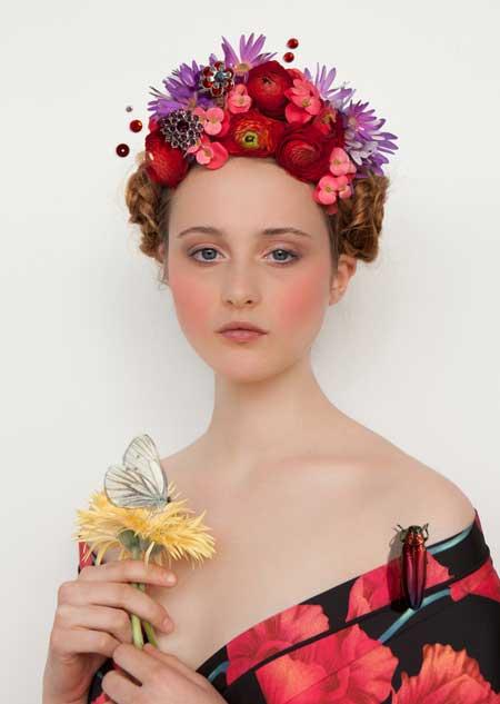 Foto-agenda-Saskia-Wagenvoort-girl-with-white-butterfly