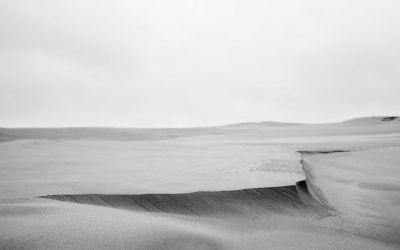 Sort-hvid fotokunst – enkelt og roligt