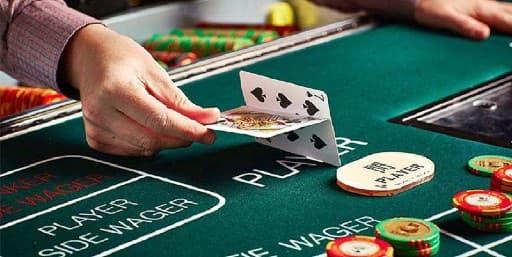 実際のカジノとネットカジノのバカラの違いとは