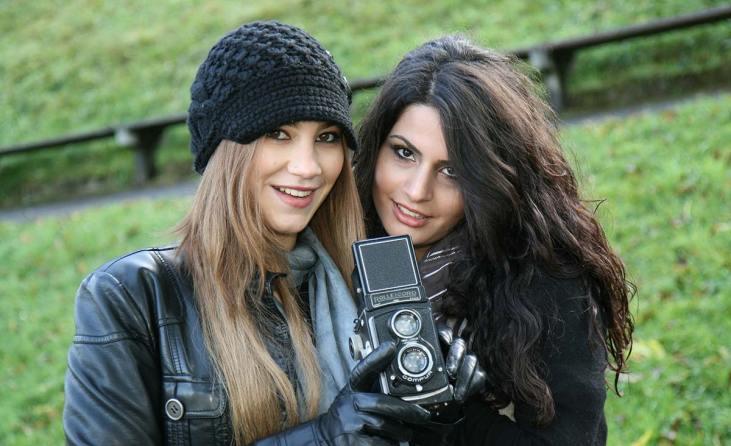 Silvester Bilder Kamera-mit-2-Models