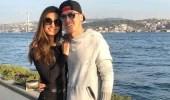 Kıskançlık Krizine Giren Amine Gülşe, Mesut Özil'e Özel Mesaj Atılmasını Yasakladı