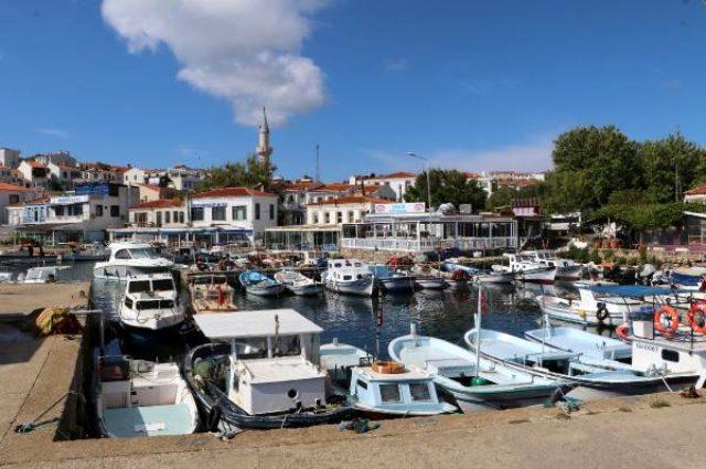 Hiç koronavirüs vakası görülmeyen adaya gelen turist sayısı artınca halk tedirgin oldu