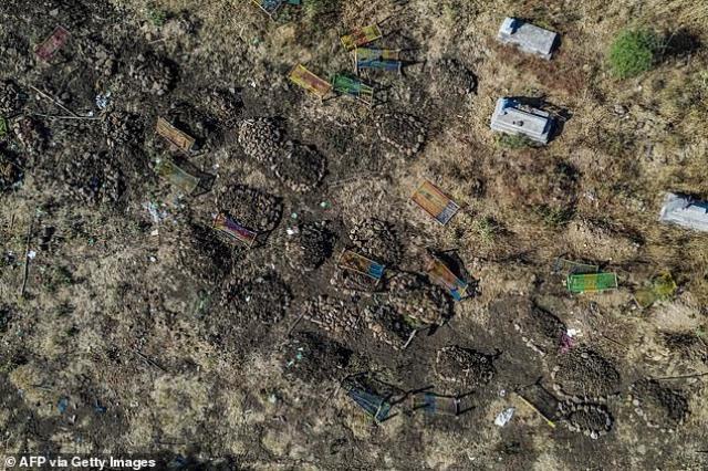 etiyopya da hukumet gucleri maket bicaklariyla 13797801 1521 m - Etiyopya'da hükümet güçleri maket bıçaklarıyla sivilleri öldürdü