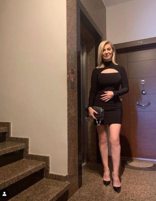songul-karli-nin-super-mini-elbiseli-pozu-sosyal-13908386_4430_m Songül Karlı'nın süper mini elbiseli pozuna beğeni yağdı Magazin