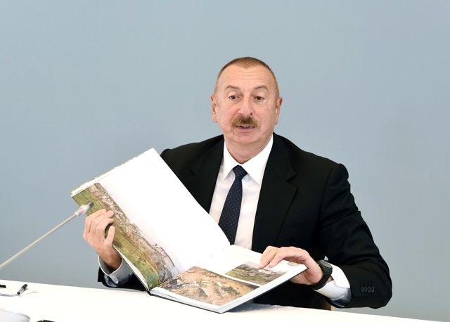 Son Dakika | - Aliyev, Şuşa'ya atılan İskender-M füzesiyle ilgili Putin ile görüştü