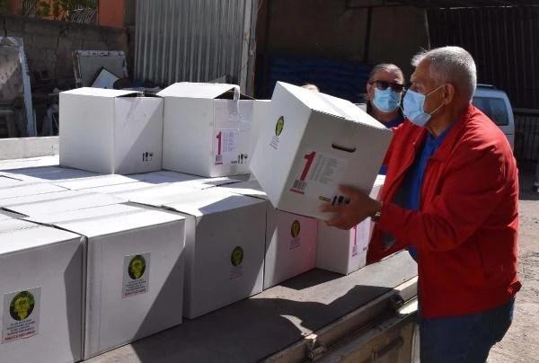Bucalılardan yüzlerce eve gıda yardımı