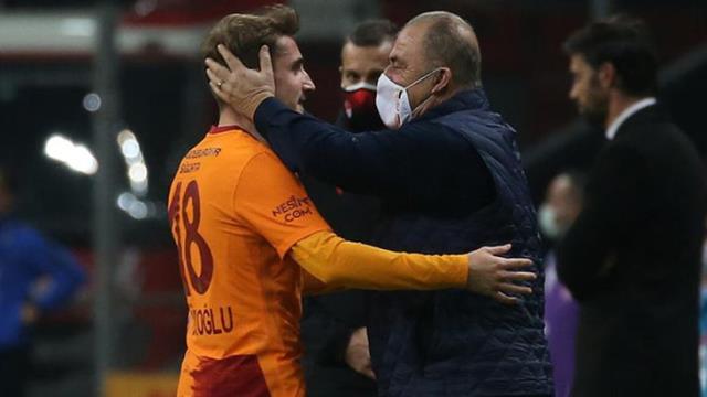 """Kerem Aktürkoğlu, """"Alo ben Emre ağabeyin"""" çağrısını önemsemeyip, Fatih Terim için Galatasaray'a imza attı"""