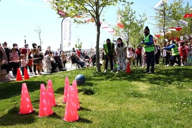 Bayraklı Belediyesinin 23 Nisan Şenlikleri'nde muhteşem final