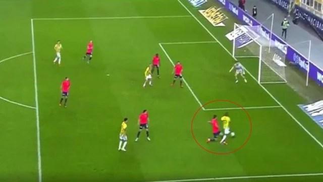 Fırat Aydınus, Valencia'ya yapılan müdahale sonrası tereddütsüz şekilde penaltı noktasını gösterdi