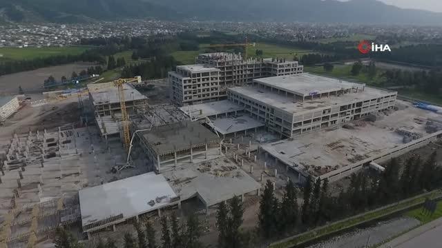 """Osmaniye'ye şehir hastanesi gibi devlet hastanesi: """"Kaba inşaatının yüzde 97'si tamamlandı"""""""
