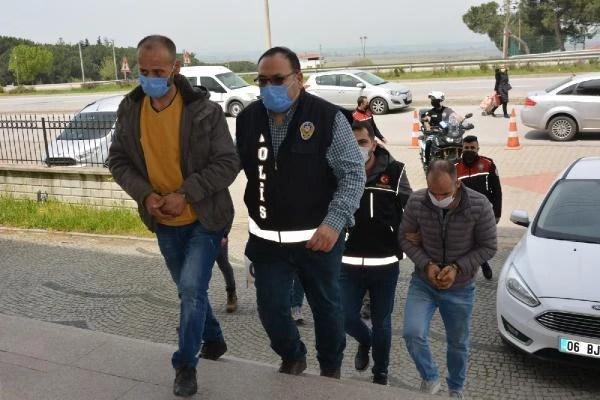 canakkale de evde yapilan uyusturucu partisin 5 14097466 o - Çanakkale de, evde yapılan uyuşturucu partisine polis baskını