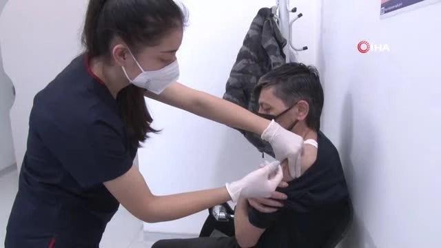 Son dakika haberleri | Çeşitli meslek gruplarından kişiler koronavirüse karşı aşılanıyor