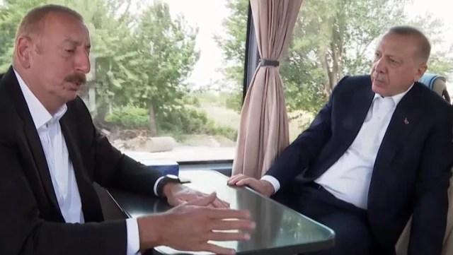 Cumhurbaşkanı Erdoğan'la Aliyev arasında ilginç diyalog: Aaa onlar var mı?