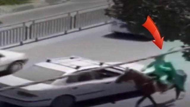 """İran'da """"sahte mehdi"""" paniği! Elinde kılıçla at üzerinde ortalığı birbirine kattı"""