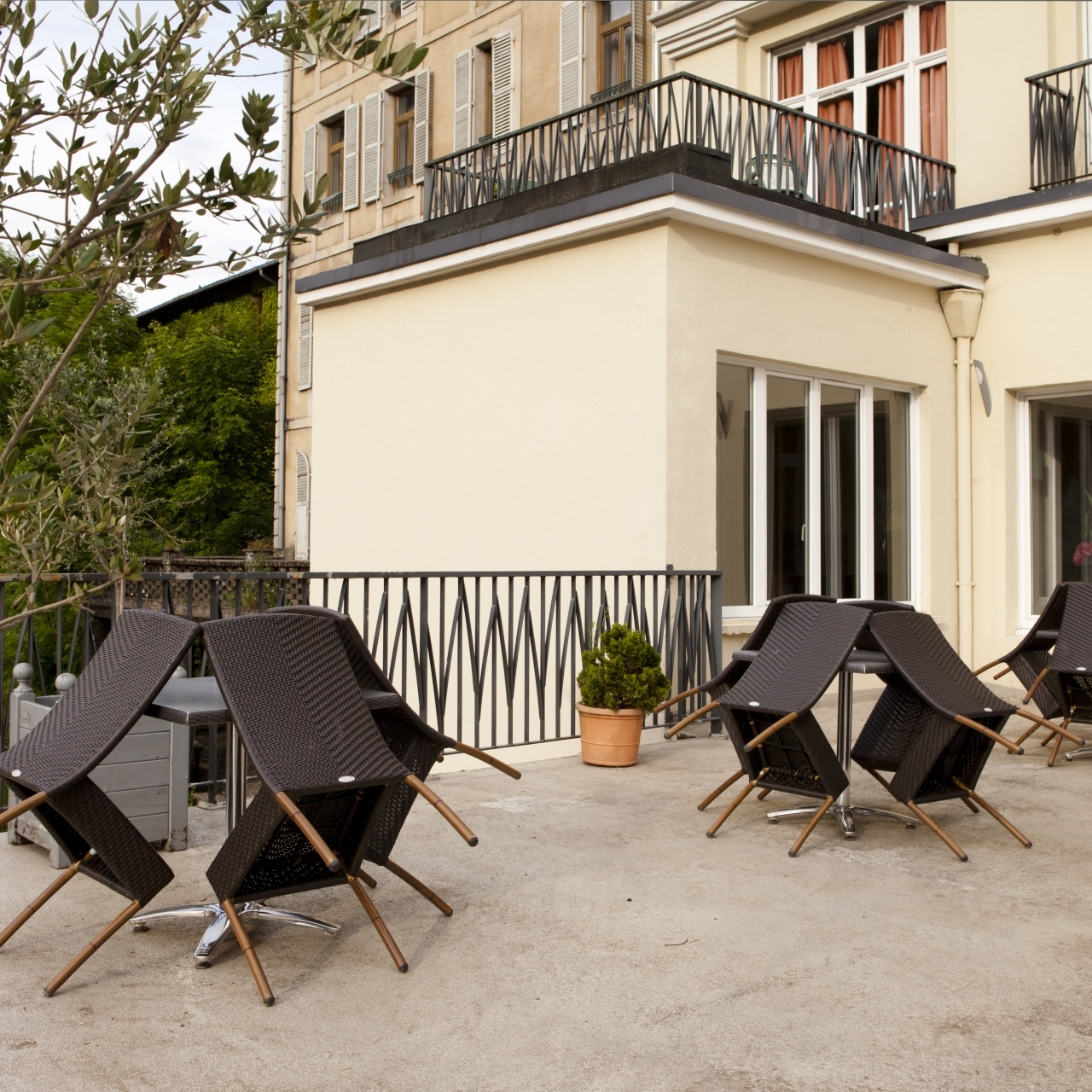 hotel le beausejour in plombieres les