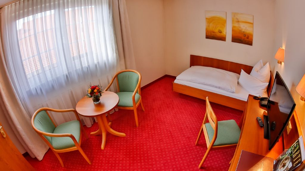 Mayers Waldhorn Landgasthof, Tübingen - 3-Stars Hotel Tiscover en